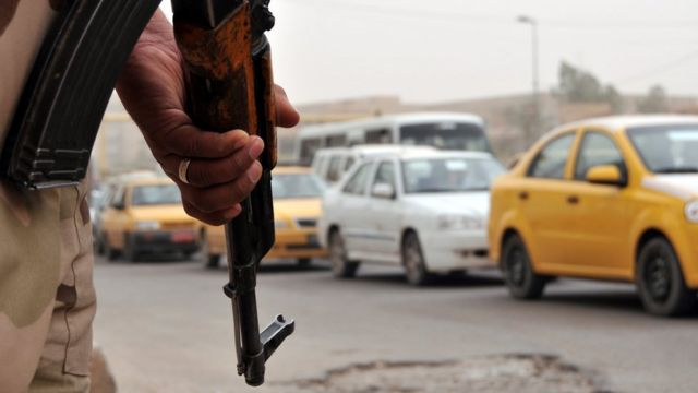 Militar armado en Bagdad.