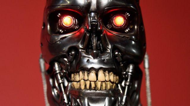 """Tal vez la película de """"Terminator"""" fue la inspiración de los científicos que decidieron crear el """"botón de emergencia""""."""