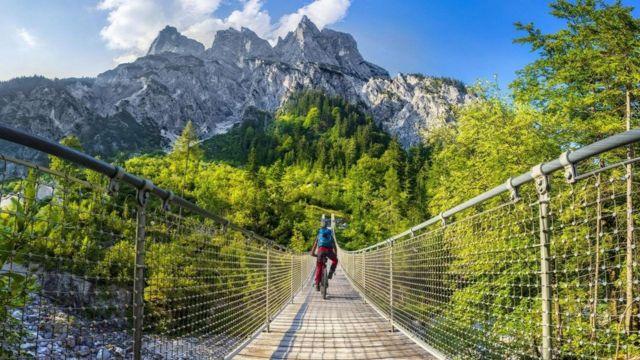 Любовь немцев к прогулкам на природе плохо сочетается с введенными ограничениями