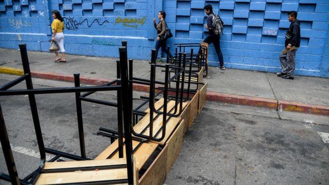 Calle bloqueada en Venezuela
