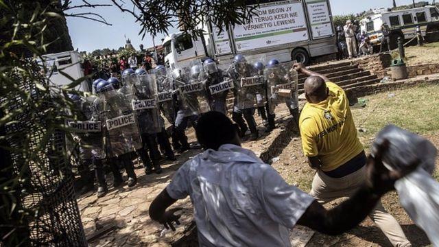 Etudiants, police, Afrique du Sud