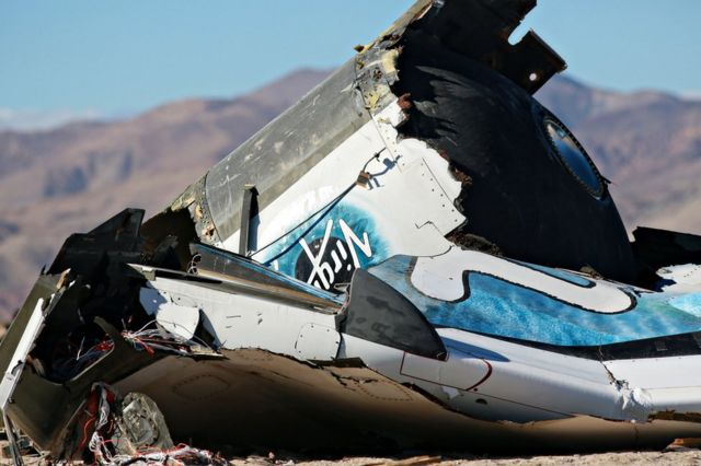 SS Enterprise 2014'teki uçuşunda parçalara ayrıldı