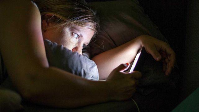 研究表明,我们平均每天触摸智能手机2617次,行为包括点击、上下滚动和左右滑动屏幕,以及打字。