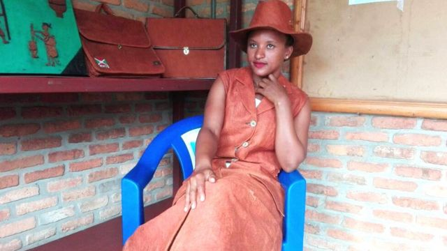 Anique Kabatesi, umuhunguzi w'imideri akoresheje ibiti