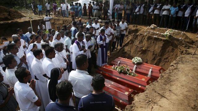 नेगम्बोमा अन्तिम संस्कार गरिँदै