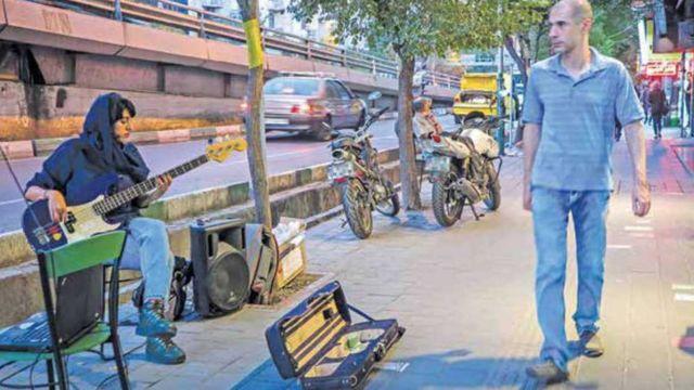 خیابانی در تهران- عکس علی محمدی. ایران