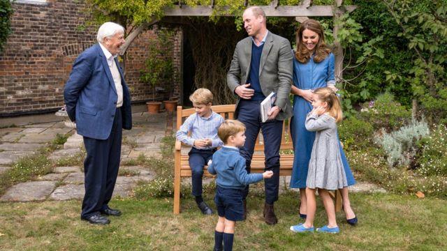 David Attenborough, Prens William ve ailesini Kensington Sarayı'nda ziyaret etmişti.