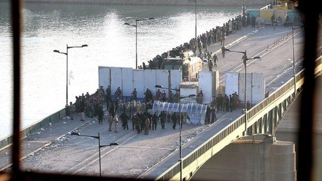 مسیر منتهی به منطقه سبز در بغداد که نهادهای دولتی در آن واقع است، مسدود شده است.