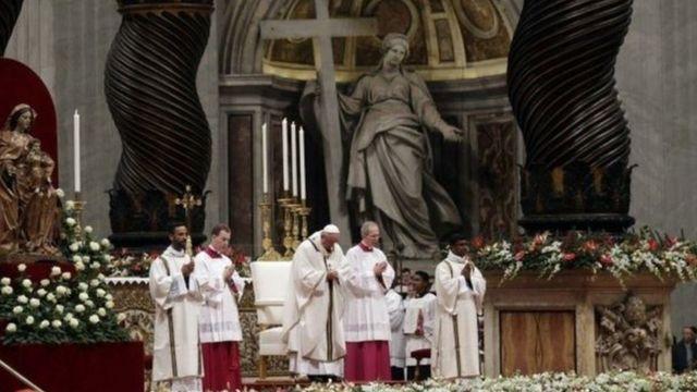 البابا يقود القداس