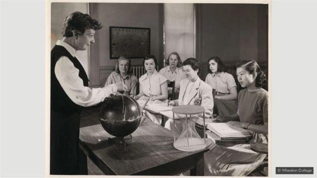 Geiringer enseigne au Wheaton College