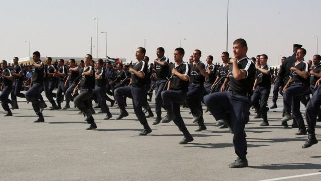 Jordanian police take part in a training session at the police training centre in Muwaqqar, Jordan (21 August 2008)