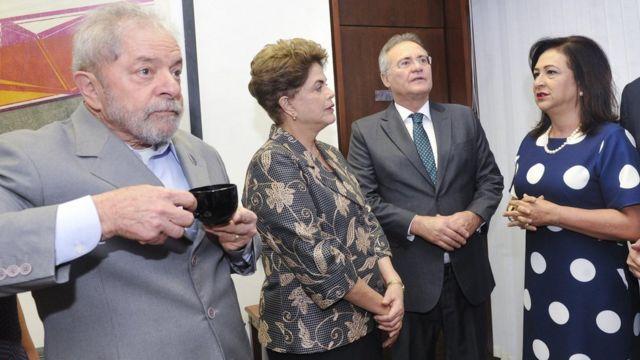 Senadora Kátia Abreu ao lado de Lula, Dilma e Renan Calheiros