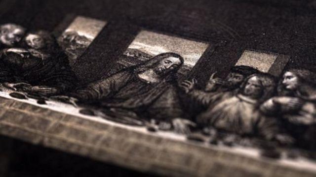 পেইন্টিংয়ে যিশু যখন অন্যদের সঙ্গে, তখন তাকে দেখানো হয়েছে শ্রেয় হিসেবে