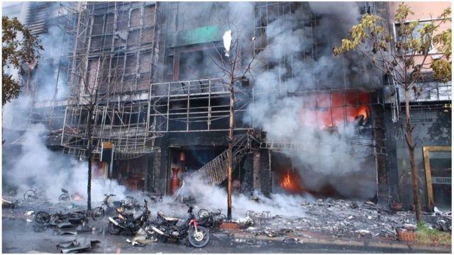 Kebakaran di tempat karaoke Vietnam
