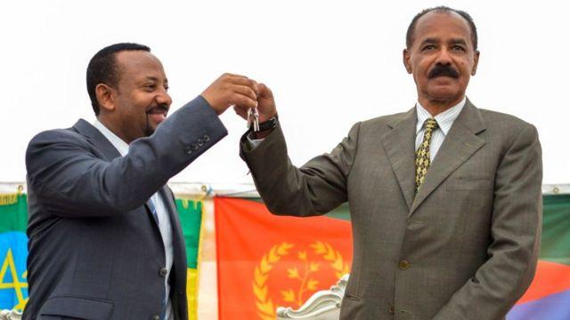 Primer ministro Abiy de Etiopía con el presidente Isaias de Eritrea.
