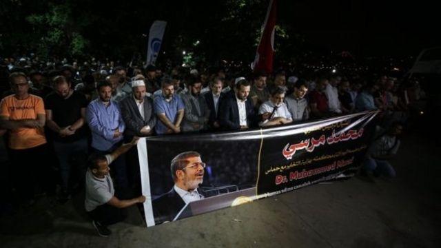 A Istanbul, des prières ont été faites pour Morsi