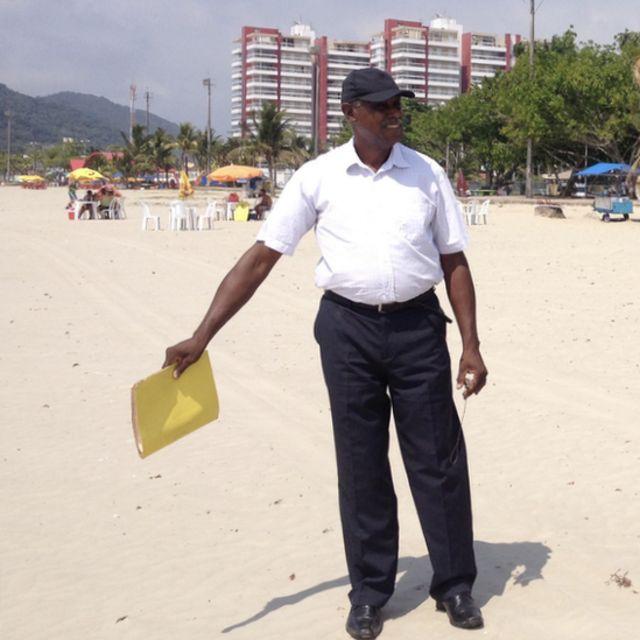 Еспедіто Діас на пляжі