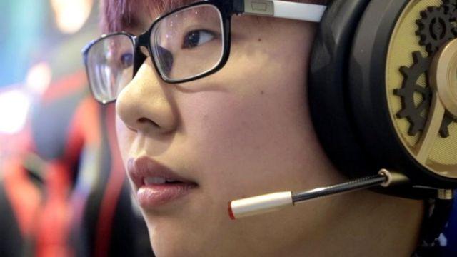 Китаянка-геймер