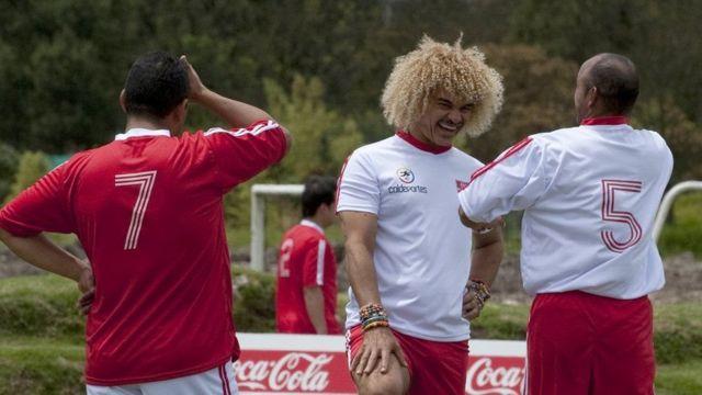 Diego Osorio (nomero zitanu) yarakinye mu rukino rwo kwifatanya n'abahitanywe n'amamine