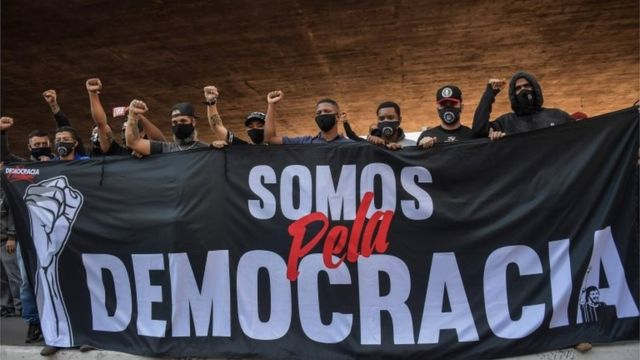 Manifestantes na Avenida Paulista