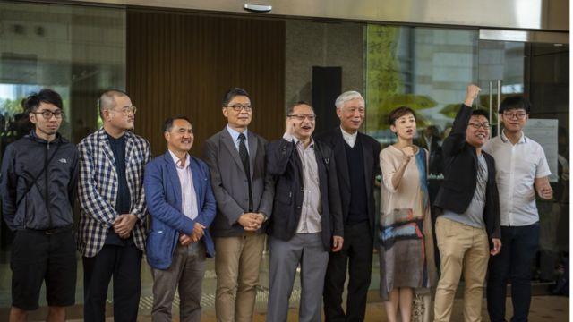 「佔中九子」:鍾耀華、邵家臻、李永達、陳健民、戴耀廷、朱耀明、陳淑莊、黃浩銘、張秀賢(左至右)