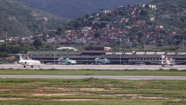 Vista del Aeropuerto Internacional Simón Bolívar en Caracas, Venezuela.