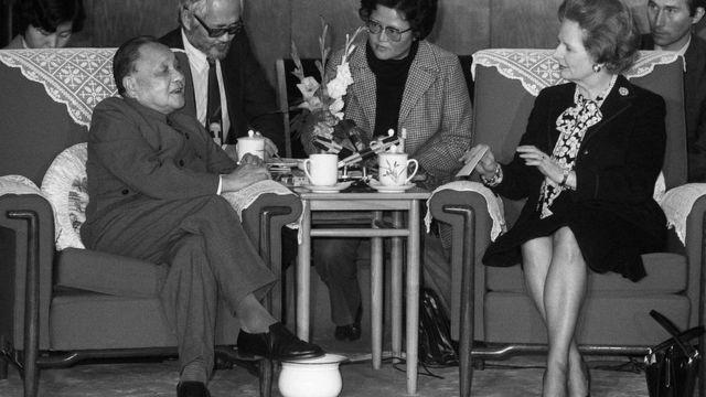 1984年12月19日,中国领导人邓小平会见英国首相撒切尔夫人。