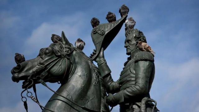 Estatua de Andrew Jackson en la plaza Lafayette, cerca de la Casa Blanca en Washington DC.