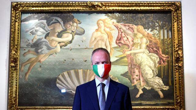 Diretor da galeria Uffizi Eike Dieter Schmidt