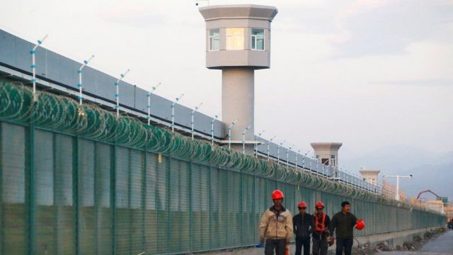 """Çin'in """"eğitim kampı"""" adını verdiği kapalı alanlar"""