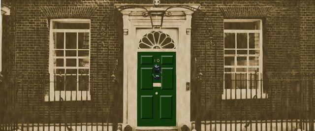 Двері Даунинг-стріт 10