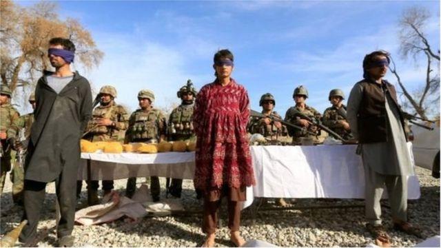 আফগান নিরাপত্তা বাহিনীর হাতে আটক সন্দেহভাজন তালেবান জঙ্গি