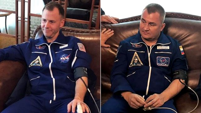 ニック・ヘイグ宇宙飛行士(左)とアレクセイ・オフチニン宇宙飛行士