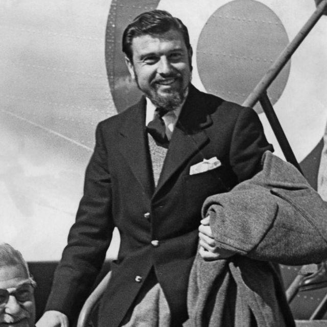 Blake returns from Korea in 1953