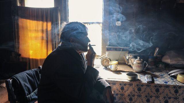 """кадр из фильма """"Белые ночи почтальона Алексея Тряпицына"""""""