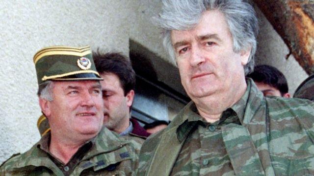 Bosnalı Sırpların eski lideri Radovan Karadziç ve Ratko Mladiç (1995)