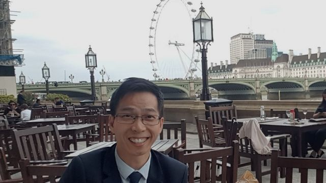 Timothy Cho di pusat London.