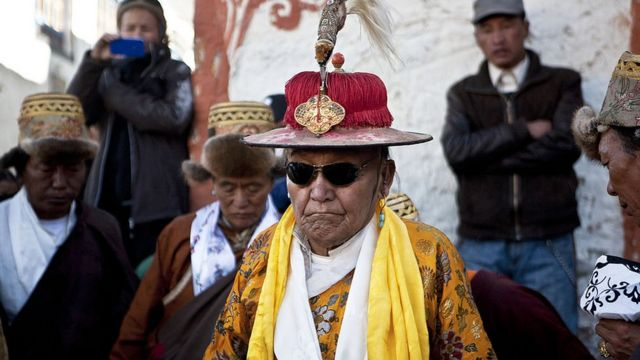 2011-ci ildə kral Ciqma Tici ənənəvi festivalında iştirak edib