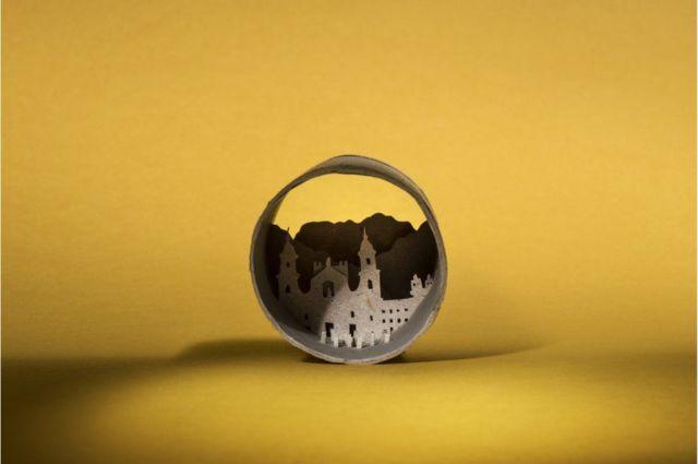 رسوم فنية للاحتفاء باليوم العالمي للمرحاض