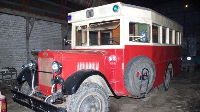 Автобус ЗІС-8