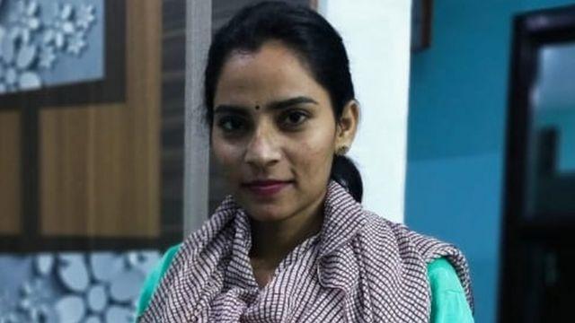 العنف الجنسي: ما سبب حرق صور ابنة أخت نائبة الرئيس الأمريكي في الهند؟