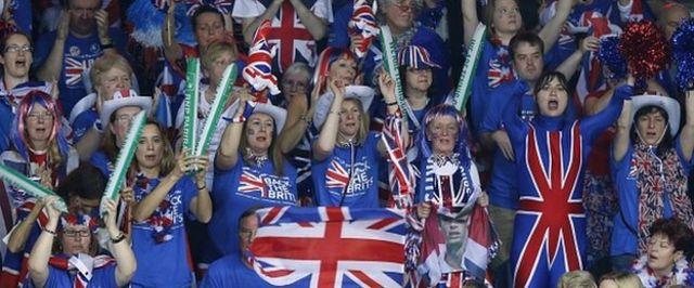 英国人ファンも試合を盛り上げた