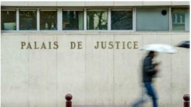 Face aux accusations d'obstruction au travail de la justice française, les autorités ivoiriennes assurent soutenir la recherche de la vérité.