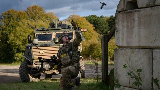 Британский солдат на учениях