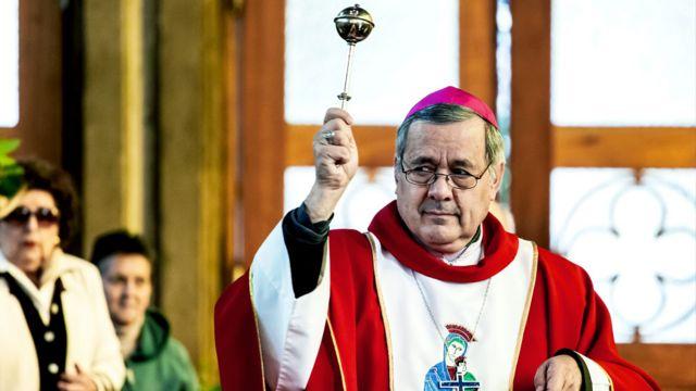 El obispo Juan Barros oficiando una misa en un Domingo de Ramos en marzo de 2018.