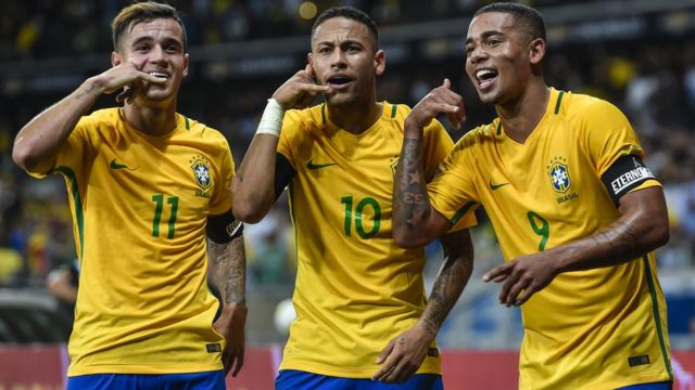 Coutinho, Neymar y Gabriel Jesus celebran un gol contra Argentina en las eliminatorias al Rusia 2018.
