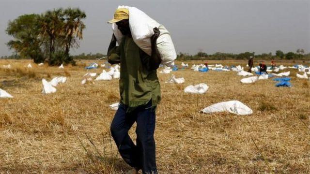 2013-жылдан бери жарандык согуш жүрүп аткан Түштүк Суданда экономикалык кырдаал жылдан жылга оорлоп баратат.