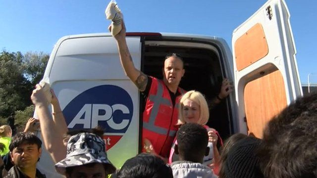 Swindon volunteers deliver aid to Calais