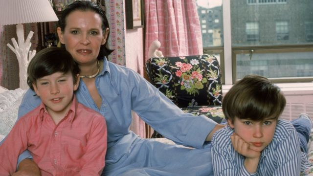 Gloria Vanderbilt, y sus hijos