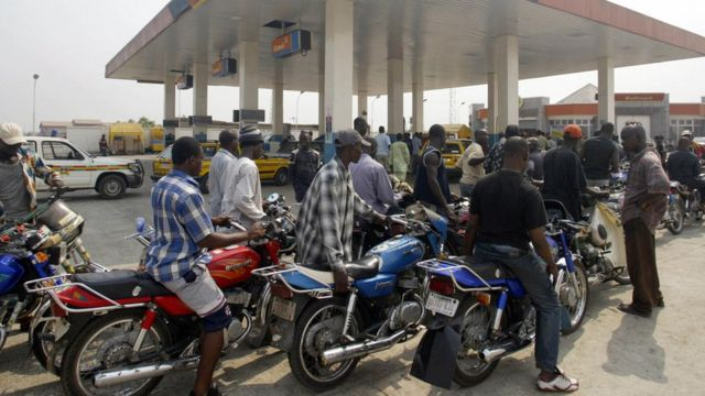 Okada people dey queue for filling station